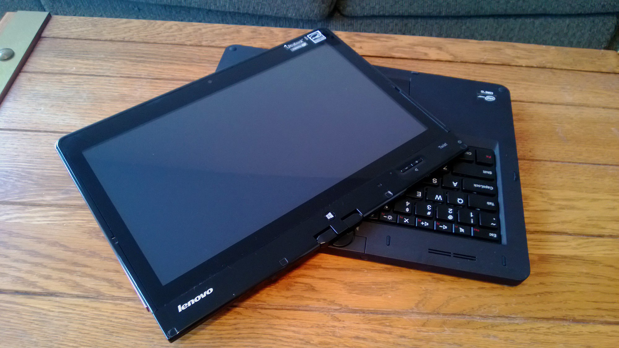 Lenovo Thinkpad Twist S230u Review - The Classic PC Tablet Gets Modern Day  Parts  e0ad85ab5c