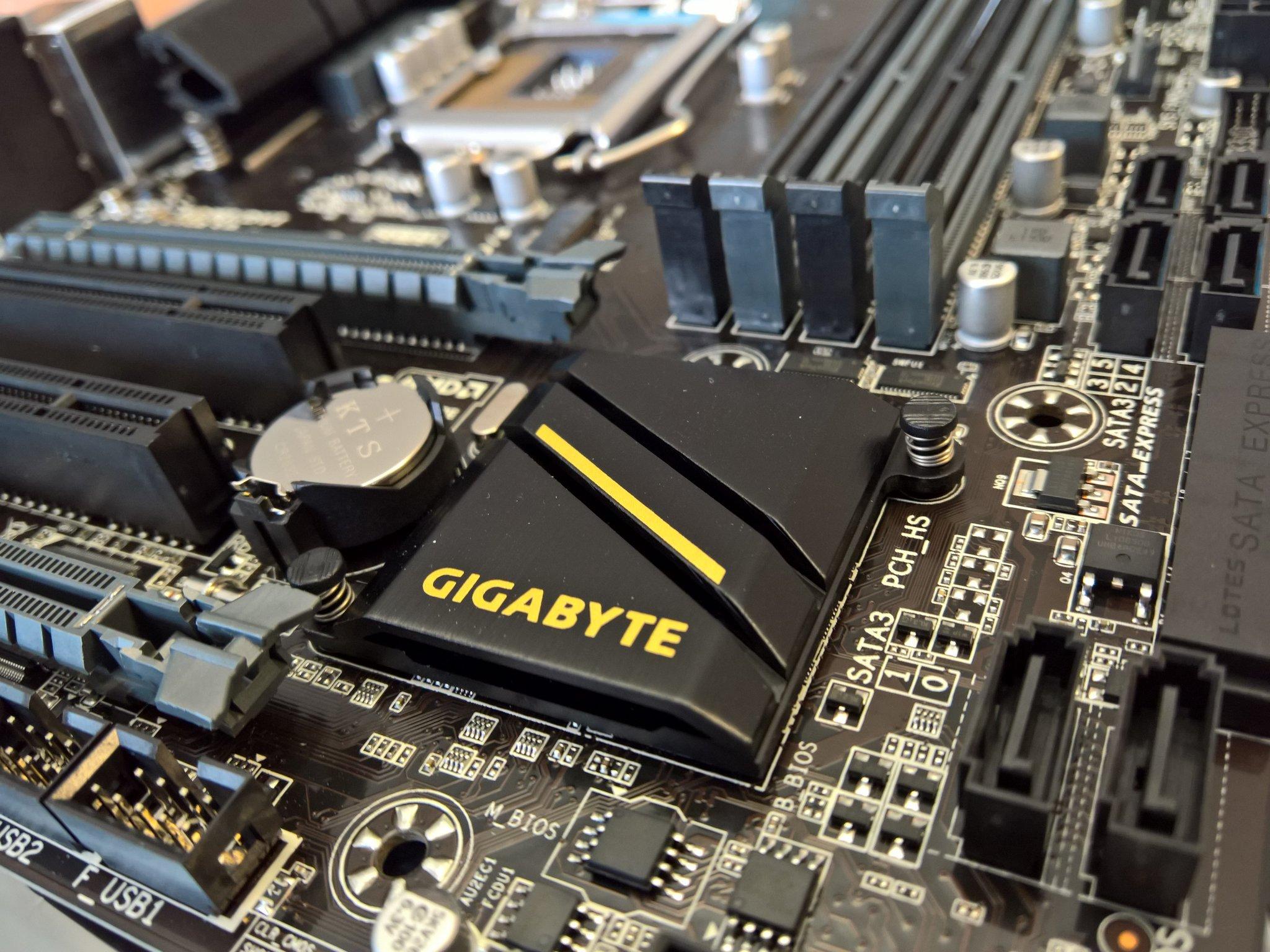 Gigabyte GA-B150M-DS3H Intel RST Driver for Windows 10